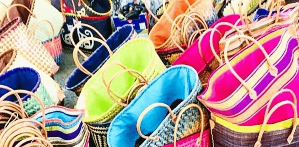 Girls Who Travel | Colorful bags in Arles