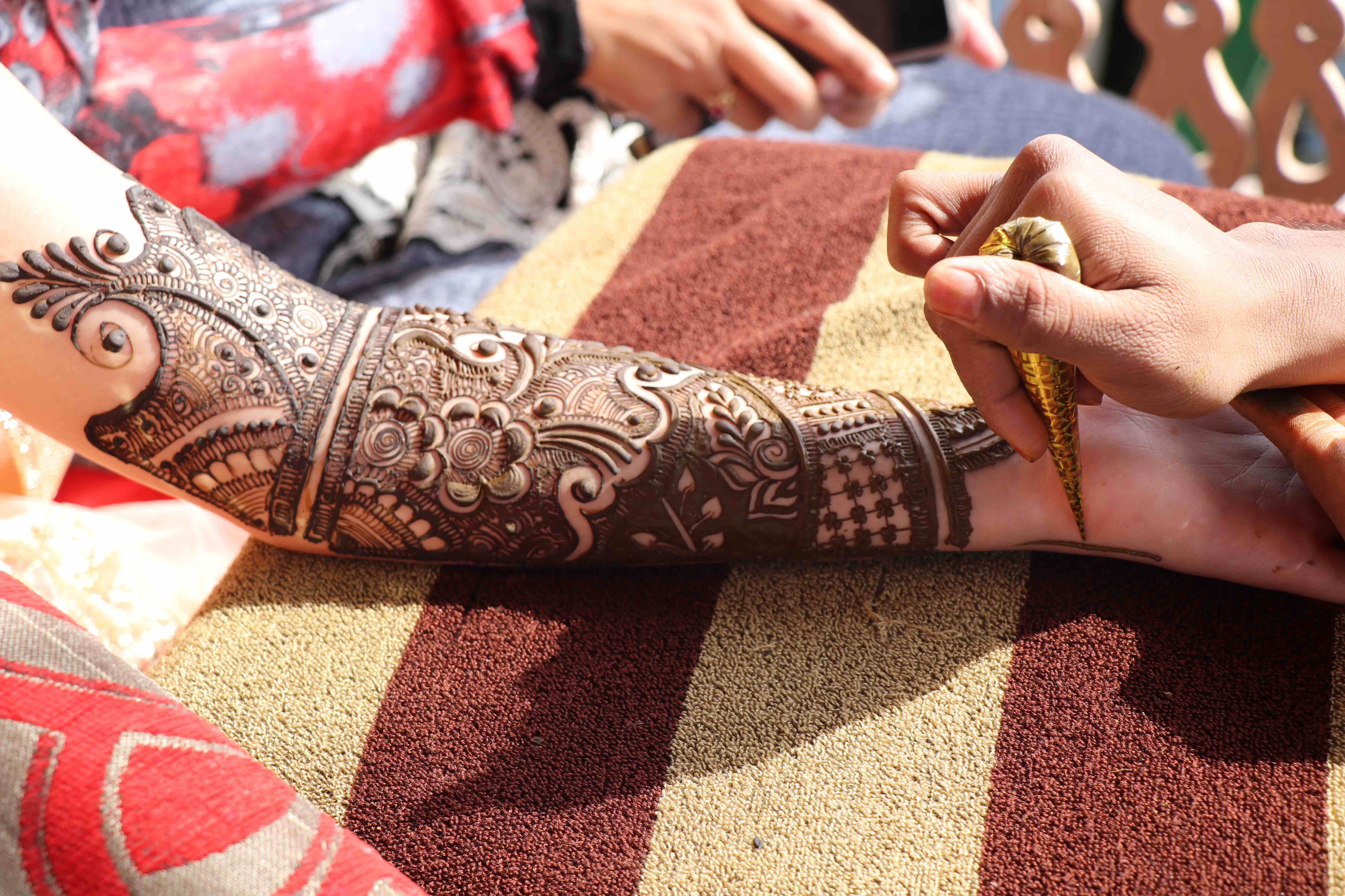 Girls Who Travel | Kashmiri wedding henna