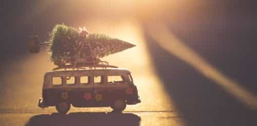 Girls Who Travel | 10 travel themed Christmas movies