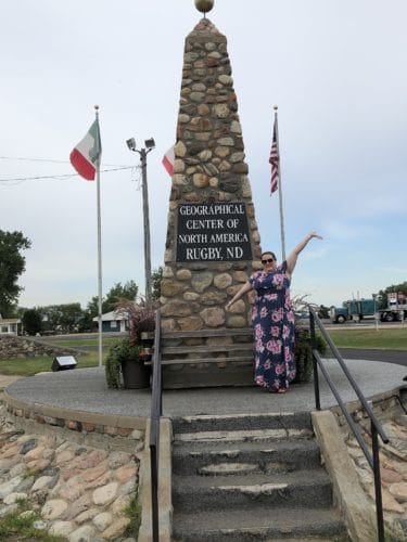 Girls Who Travel | Geographical center of America