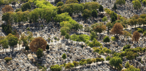 Girls Who Travel | pere lachaise